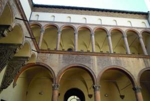 Palazzo_Ghisilardi_chiostro